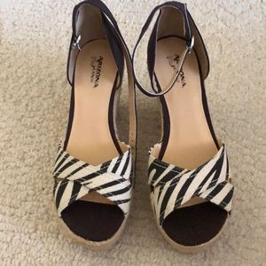 Ladies shoes new without tags size 9M
